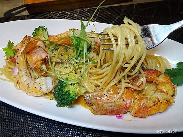 主廚特製蝦醬天蝦紅蝦麵 (4)5.jpg