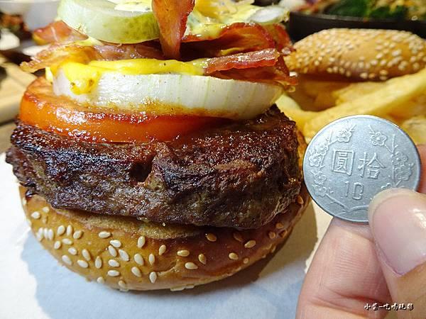秘製牛肉漢堡 (5)30.jpg