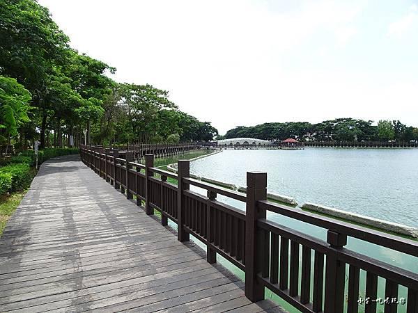 天鵝湖水上公園 (4).jpg