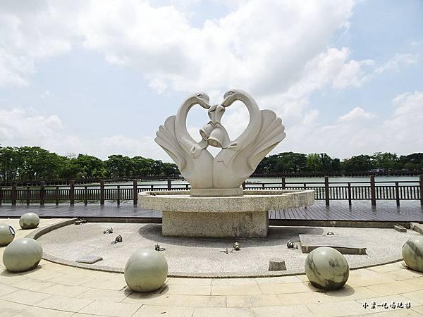 天鵝湖水上公園 (13).jpg