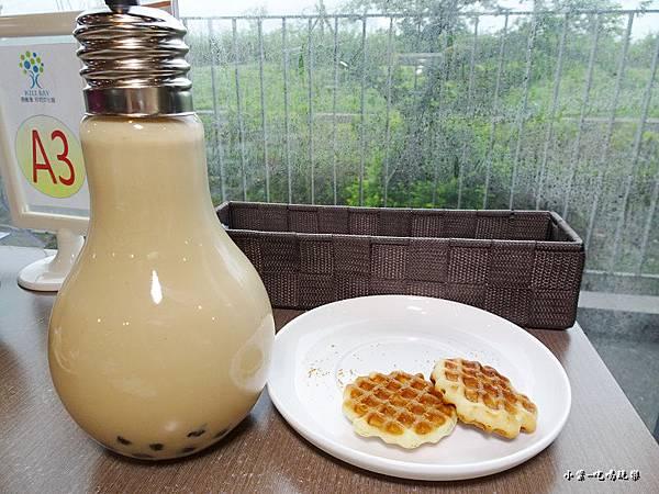 單點燈炮奶茶 (2).jpg