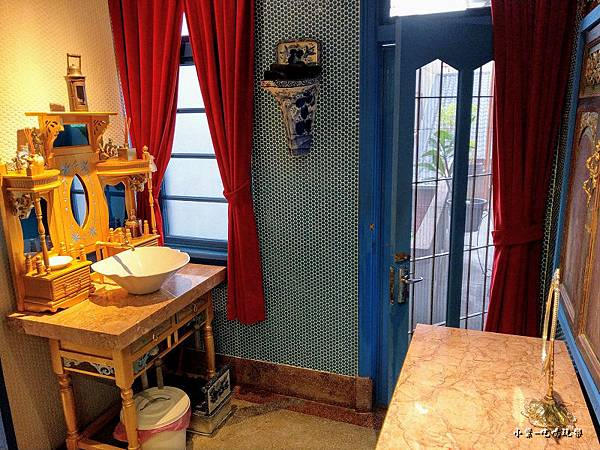 3樓公共衛浴  (2).jpg