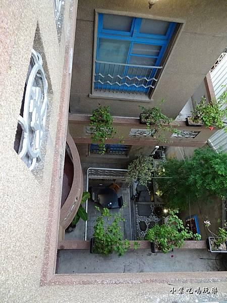 4樓往中庭看.jpg
