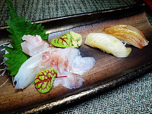 二千-生魚片握壽司 (2).jpg