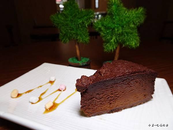 品黑鹽之花蛋糕 (2).jpg