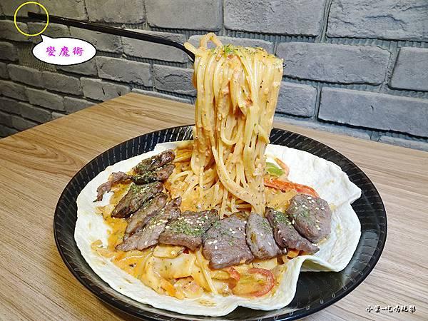 炙燒牛小排佐玫瑰義大利麵  (4).jpg