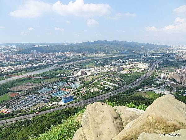 三峽鳶山山頂 (9).jpg