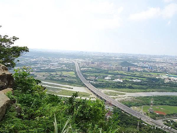 三峽鳶山山頂 (11).jpg