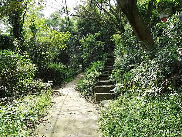 鳶山步道1.jpg