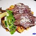 波隆納紅醬低溫烹調菲力牛排筆管麵-典義點 (4).jpg