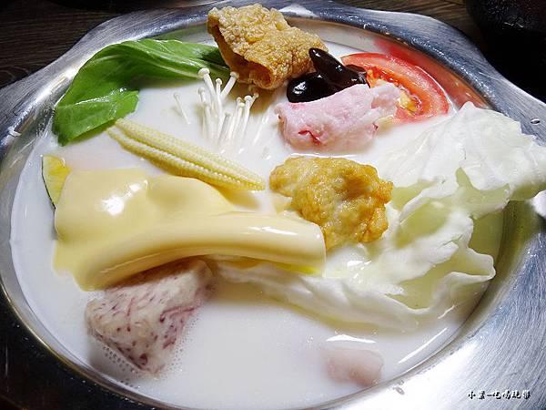 千荷田-牛乳起司鍋  (1).jpg