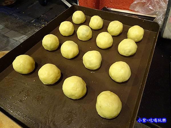 西門麵店-菠蘿蛋黃酥 (4).jpg