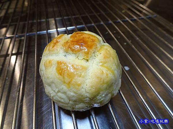 西門麵店-菠蘿蛋黃酥 (5).jpg