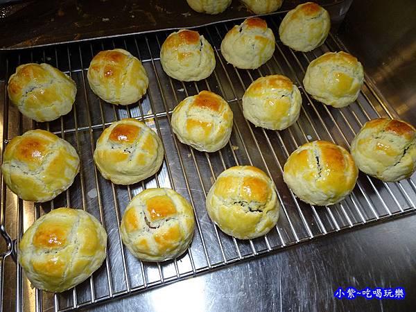 西門麵店-菠蘿蛋黃酥 (7).jpg
