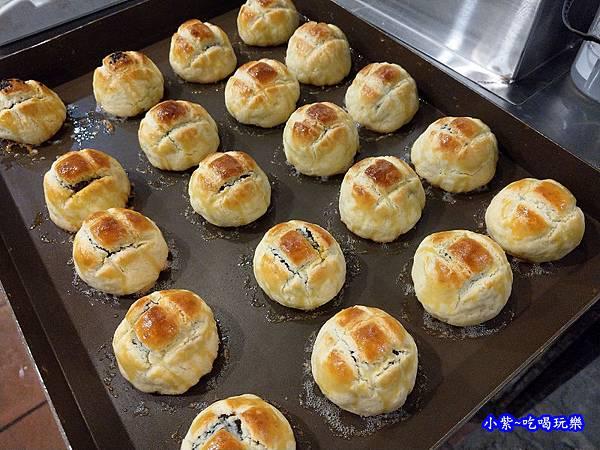 西門麵店-菠蘿蛋黃酥 (16).jpg
