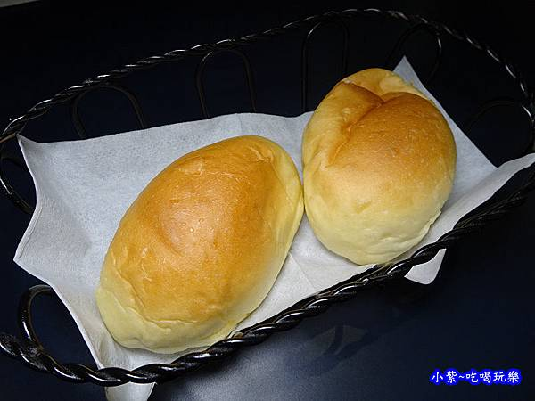 墨犇奶油餐包 (2).jpg