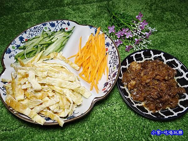 台灣味肉燥拌麵材料.jpg