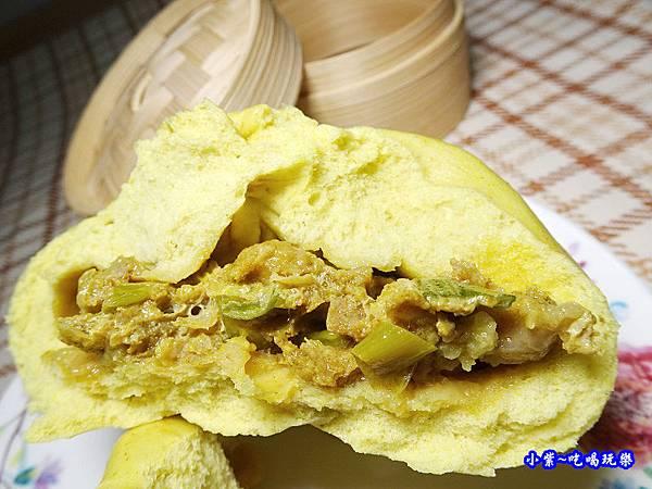 咖哩鮮肉包-樂包子 (1).jpg