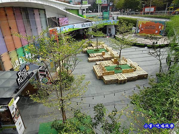 台中草悟廣場粉紅樂園 (6).jpg