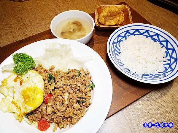 泰式打拋豬套餐-長鼻子板橋店 (2).jpg