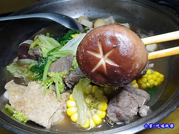 楓田農場-椴木香菇羊肉爐 (3).jpg