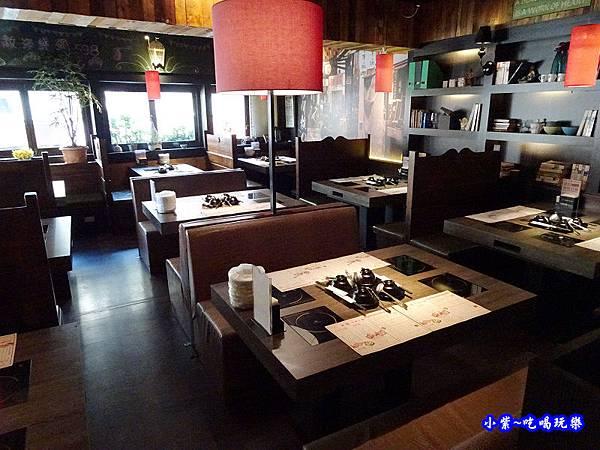 米塔石頭火鍋新店中正店-2樓 (1).jpg