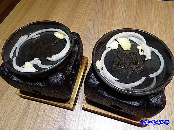 電烤爐、鑄鐵烤盤-虎次  (2).jpg