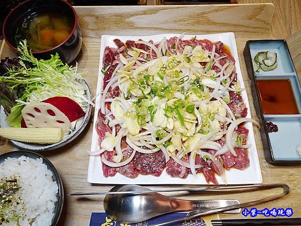 蒜香甜洋蔥牛燒肉-虎次 (2).jpg