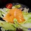 燻秋鮭和風沙拉.jpg