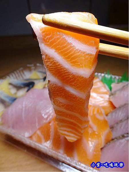 鮭魚生魚片-紳生魚片批發零售.jpg