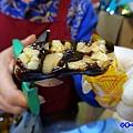 饒河街夜市-阿里山黑糖茶舖試吃  (3).jpg