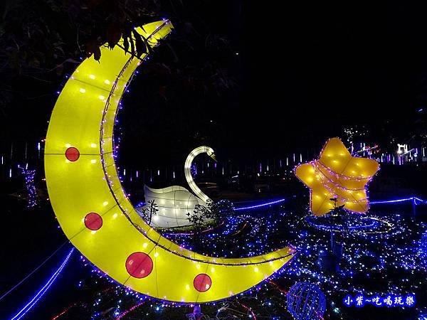星月天鵝湖-2019龜山燈區 (1).jpg