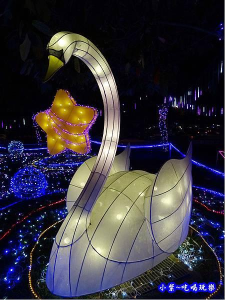 星月天鵝湖-2019龜山燈區 (2).jpg