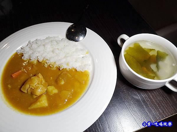 wo窩飯店宵夜咖哩飯+湯 (2).jpg