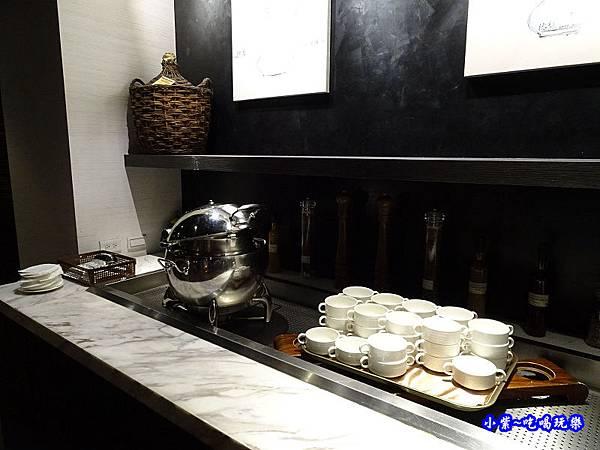wo窩飯店宵夜湯品 (1).jpg