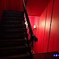 1樓往B1樓梯.jpg