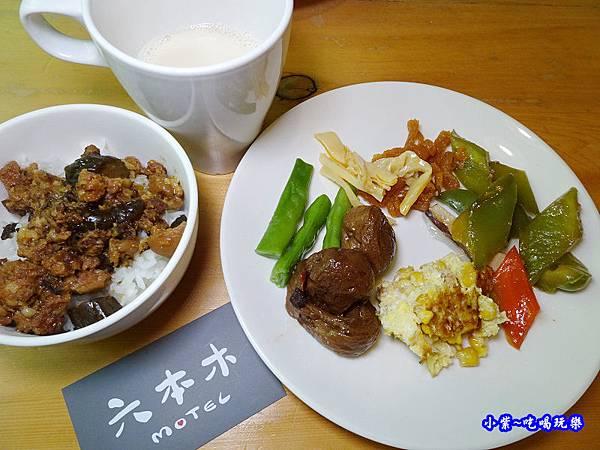 高雄-六本木MOTEL自由館-自助早餐 (16).jpg
