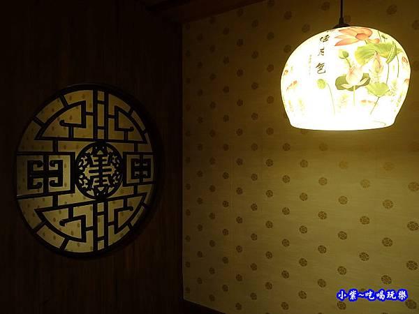 1樓用餐區-東華川府重慶老火鍋 (1).jpg