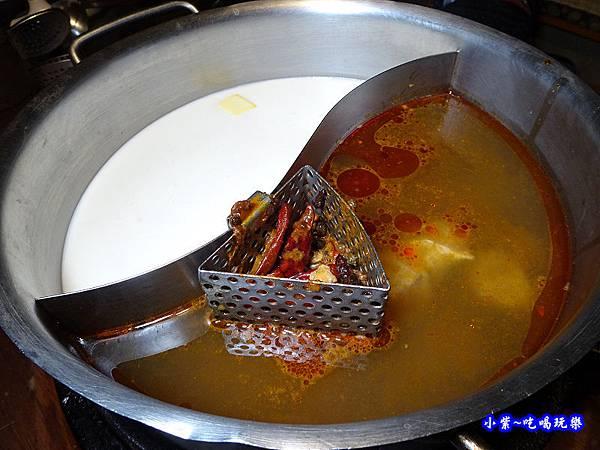 鴛鴦鍋-肉多多桃園旗艦店 (2).jpg