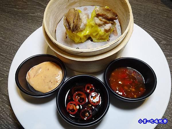 原只鮑魚燒賣皇-廚窗港點飲茶百匯-桃園 (1).jpg