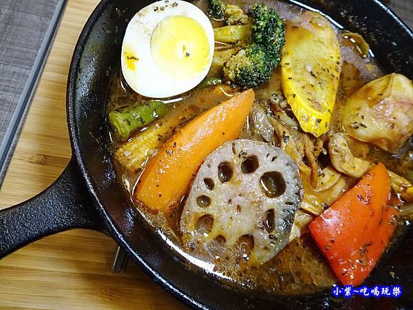 厚切牛排湯咖哩-銀兔湯咖哩西門店   (1).jpg