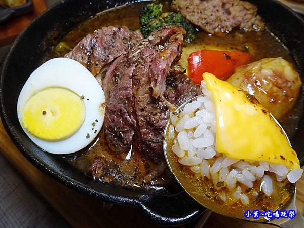 厚切牛排湯咖哩-銀兔湯咖哩西門店 (8).jpg