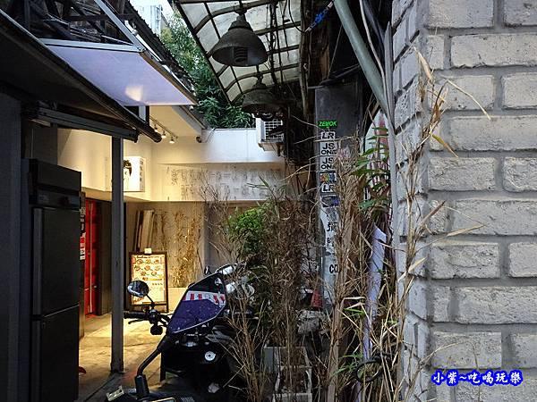 銀兔湯咖哩西門店  (4).jpg