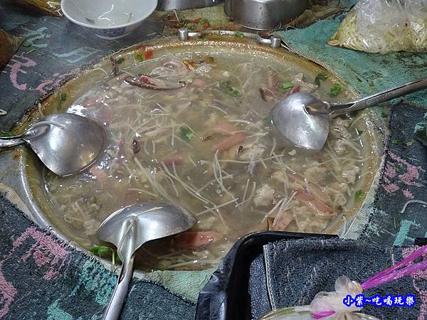 魷魚肉焿-鹿港肉焿泉 (5).jpg