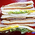 花生豬排總匯--光頭早午餐屋 (2).jpg