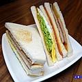 花生豬排總匯--光頭早午餐屋 (3).jpg