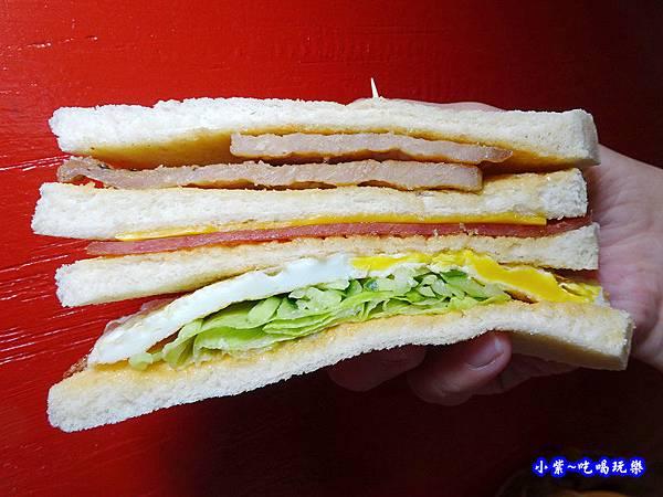 花生豬排總匯--光頭早午餐屋 (4).jpg