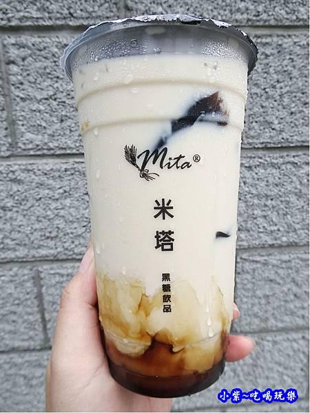 黑糖仙草鮮奶-米塔黑糖桃園統領  (3).jpg