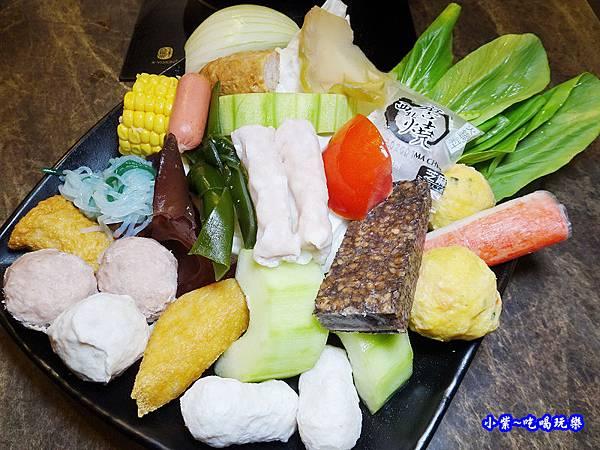 菜盤-食鮮日式火鍋吃到飽.jpg