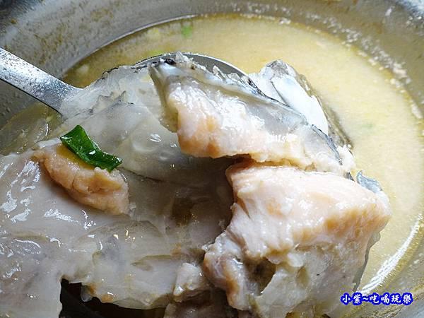 鮭魚味噌豆腐湯-食鮮日式火鍋吃到飽  (1).jpg